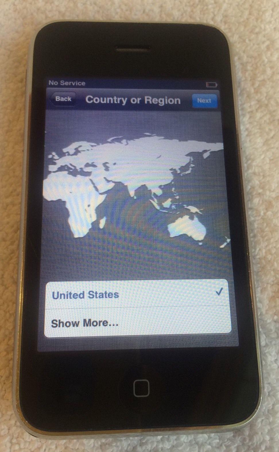 Apple iphone 3g 8gb black a1303 att cracked back