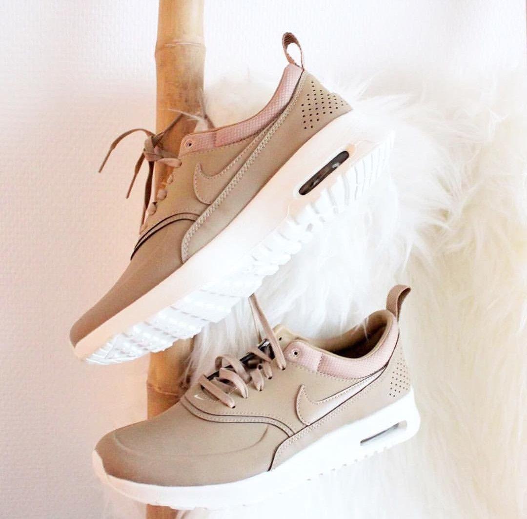Nike Air Max Thea Premium in beigecreme Foto: s4nnis