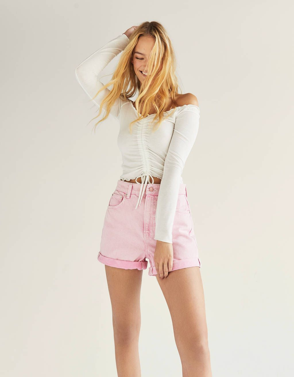 07012e2ae3 High waist mom fit shorts in 2019   FESTIVAL   Workout shorts, Short ...