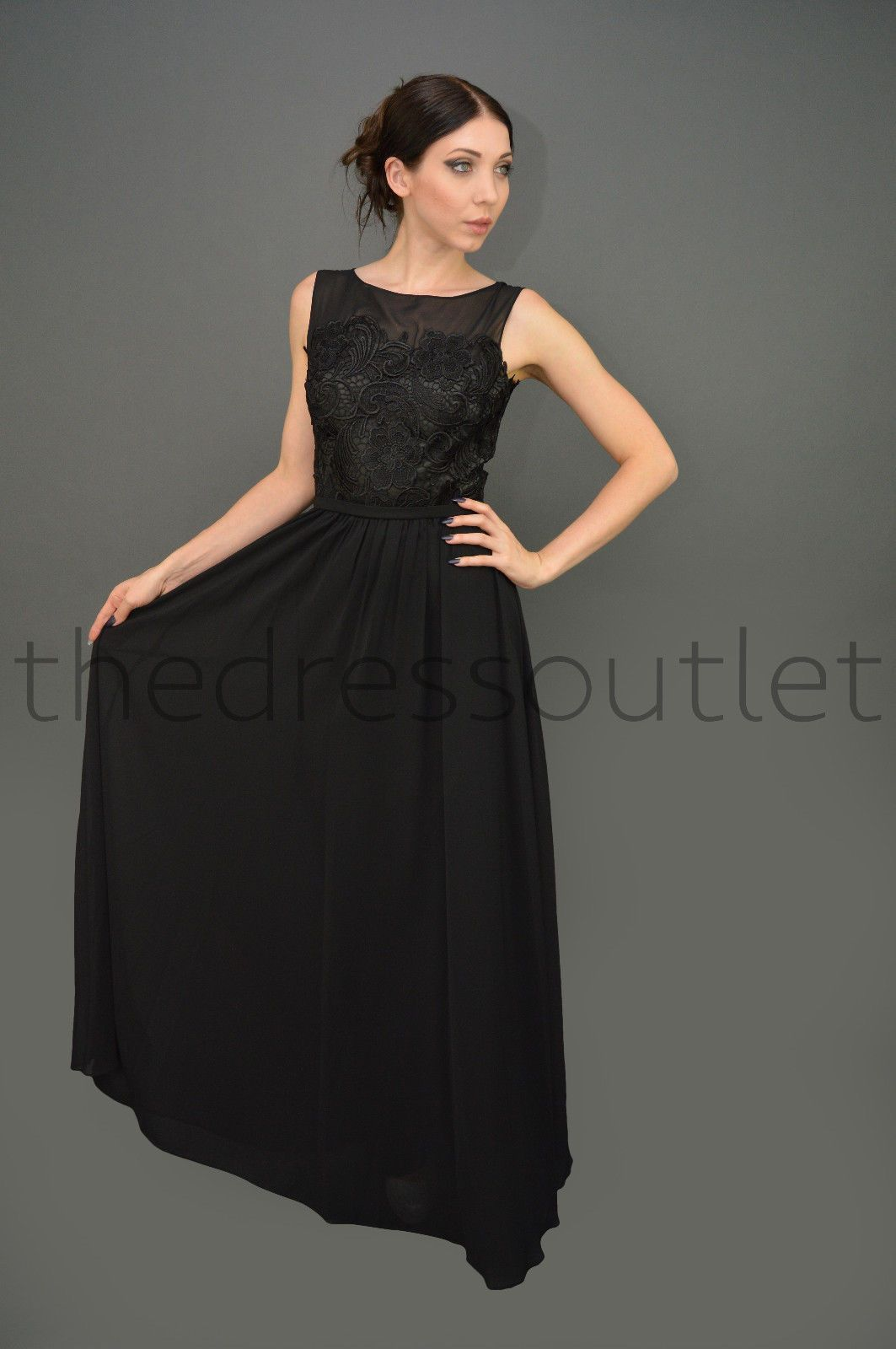 A classical dress with some trendy elements for your fashionistas