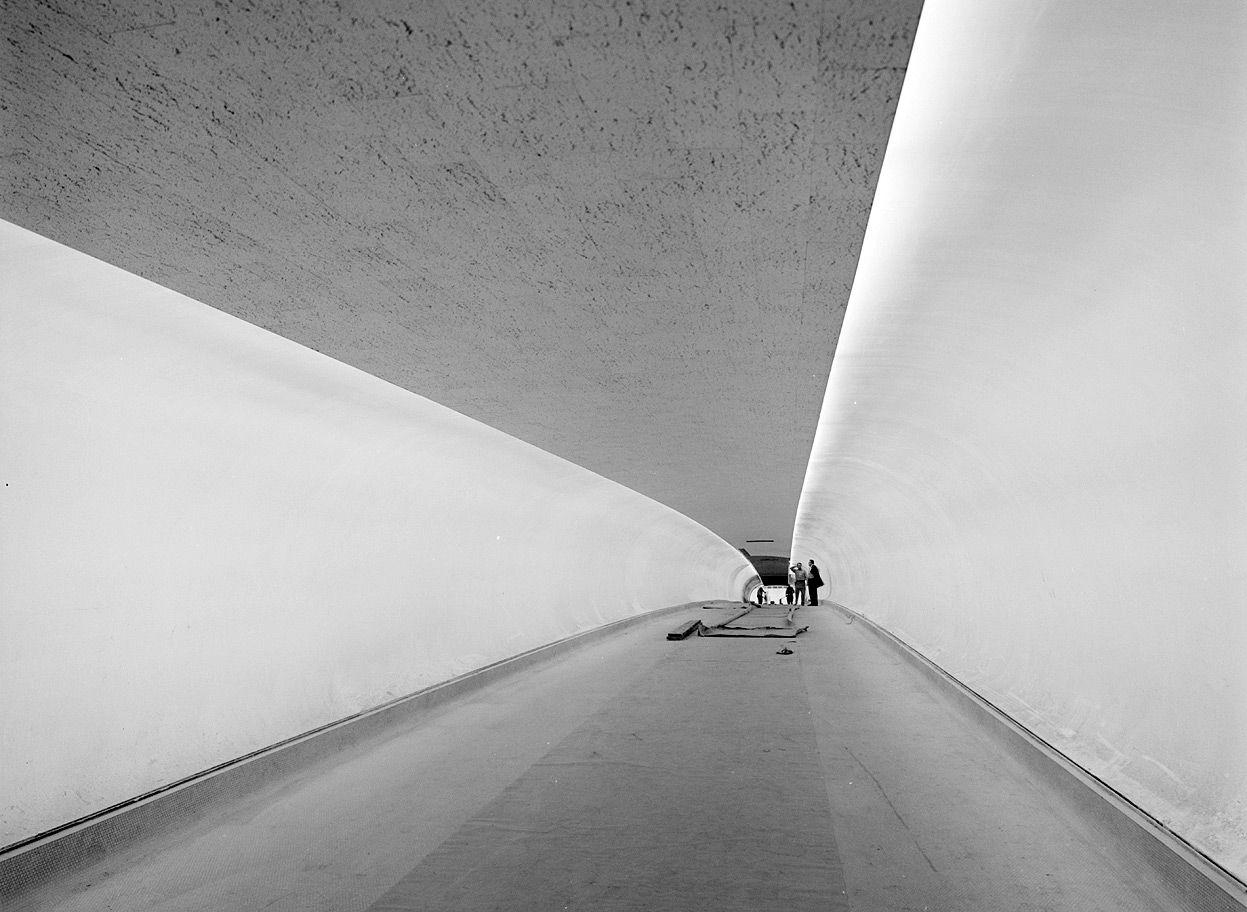 31. Walkway interior of the TWA Terminal.