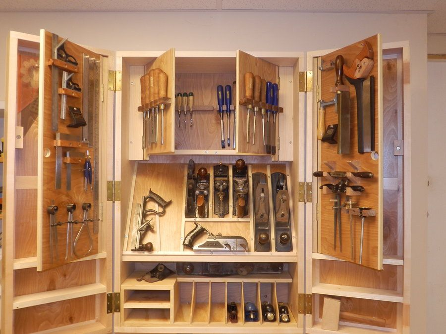 Hanging Tool Cabinet Dream Woodshop In 2019 Workshop Cabinets