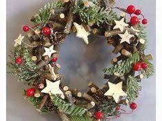 Výsledek obrázku pro tvoření s dětmi na vánoční jarmark   Christmas  wreaths, Holiday decor, Decor