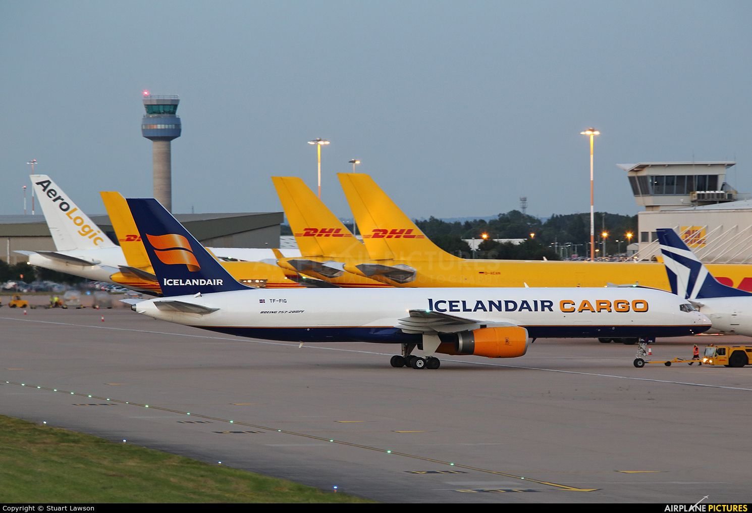 Icelandair Cargo Boeing 757200F photo by Stuart Lawson