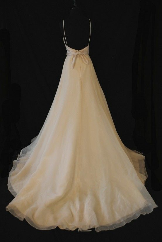 Dress Anna Paquins Character Wore For Wedding In The Romantics Movie