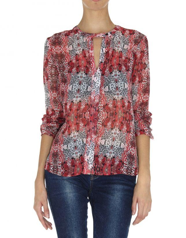 0d10059b33 Blusa cuello pico y puño fruncido estampada tonos rojos