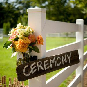 This is great for that country outdoor wedding!
