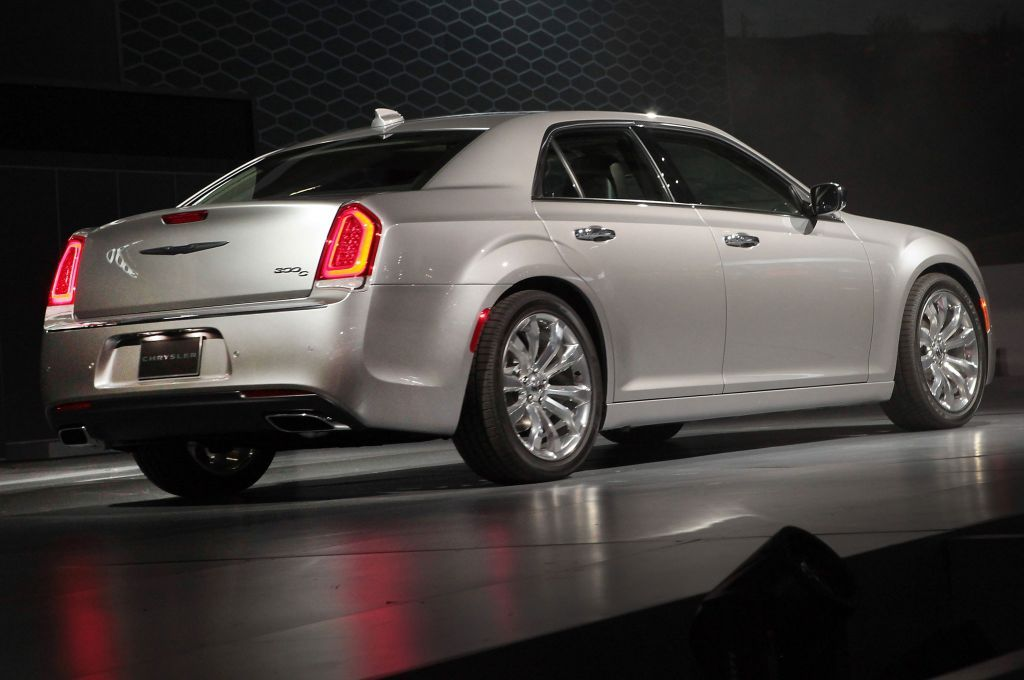 2020 Chrysler 300 Srt8 With Images Chrysler 300 Chrysler 300
