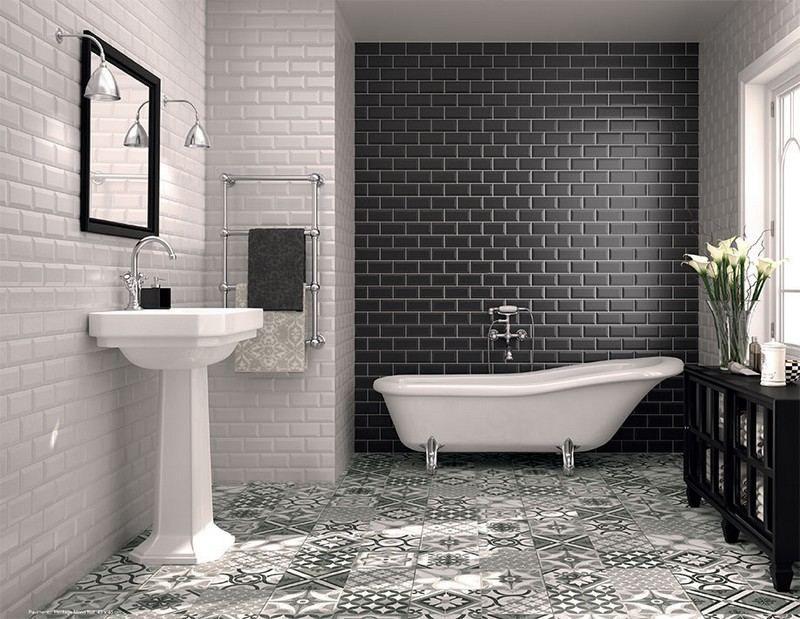 Carrelage salle de bain noir et blanc duo intemporel for Petite salle de bain carrelage gris