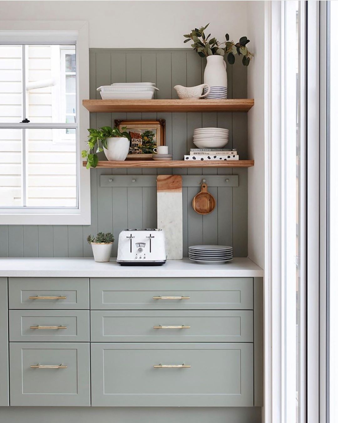 kaboodle kitchen on instagram we re still obsessing over this stunning kitchen b in 2020 on kaboodle kitchen bunnings drawers id=55831