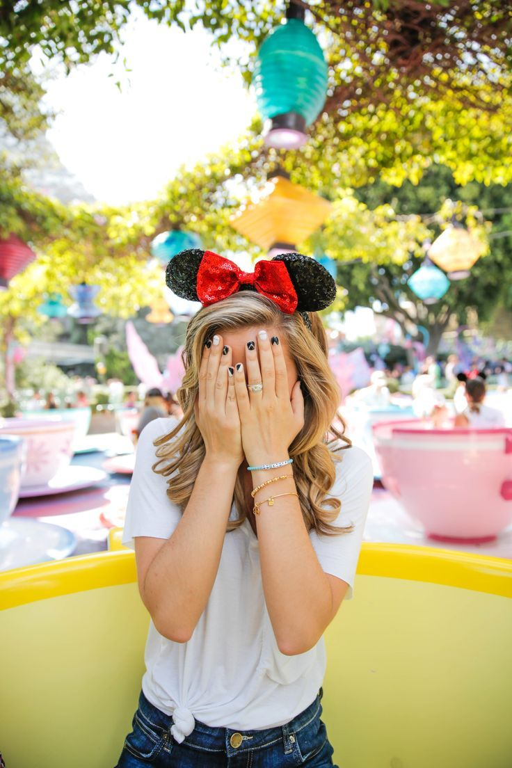 We're all mad here... Disneyland photography, Cute