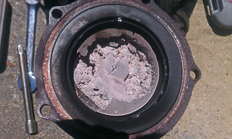 how to detect a clogged catalytic converter