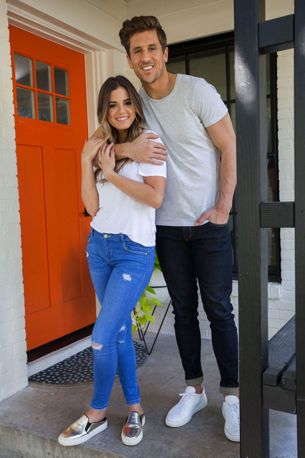 In Honor Of The Bachelorette At Home With Jojo Fletcher And Jordan Rodgers Rue Jojo Fletcher Couple Outfits Jojo And Jordan
