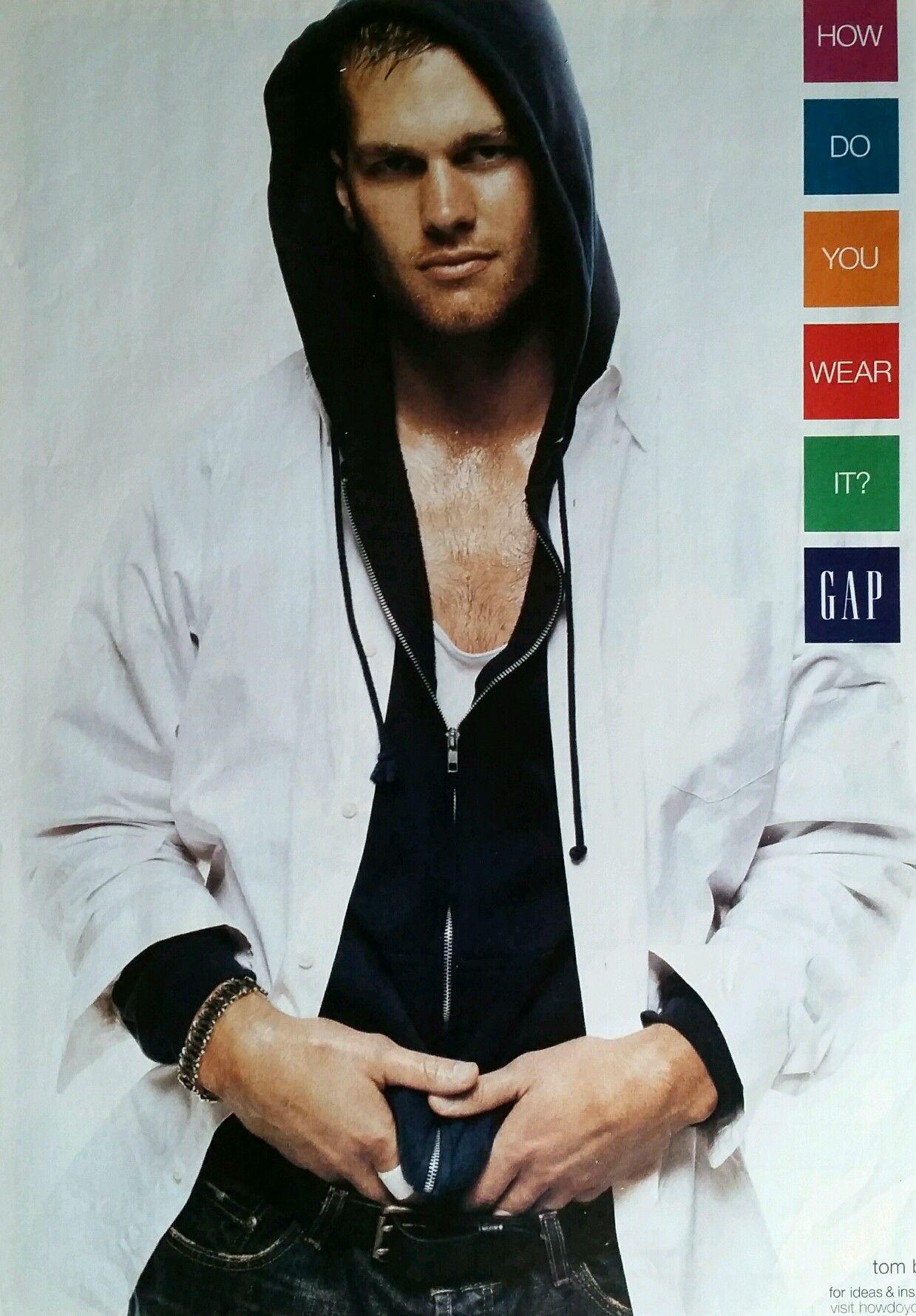 Quarterback Tom Brady For The Gap 2004 Nfl Newenglandpatriots Hoody Mens Fashion Magazine Cover New England Patriots [ 1781 x 1239 Pixel ]