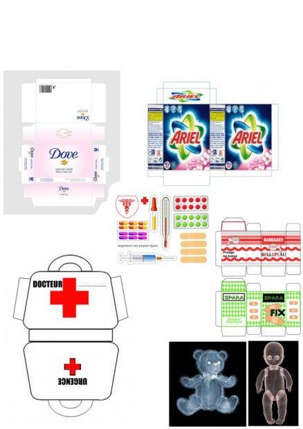 Objets papier imprimer poupees salle de bains huck for Objet salle de bain