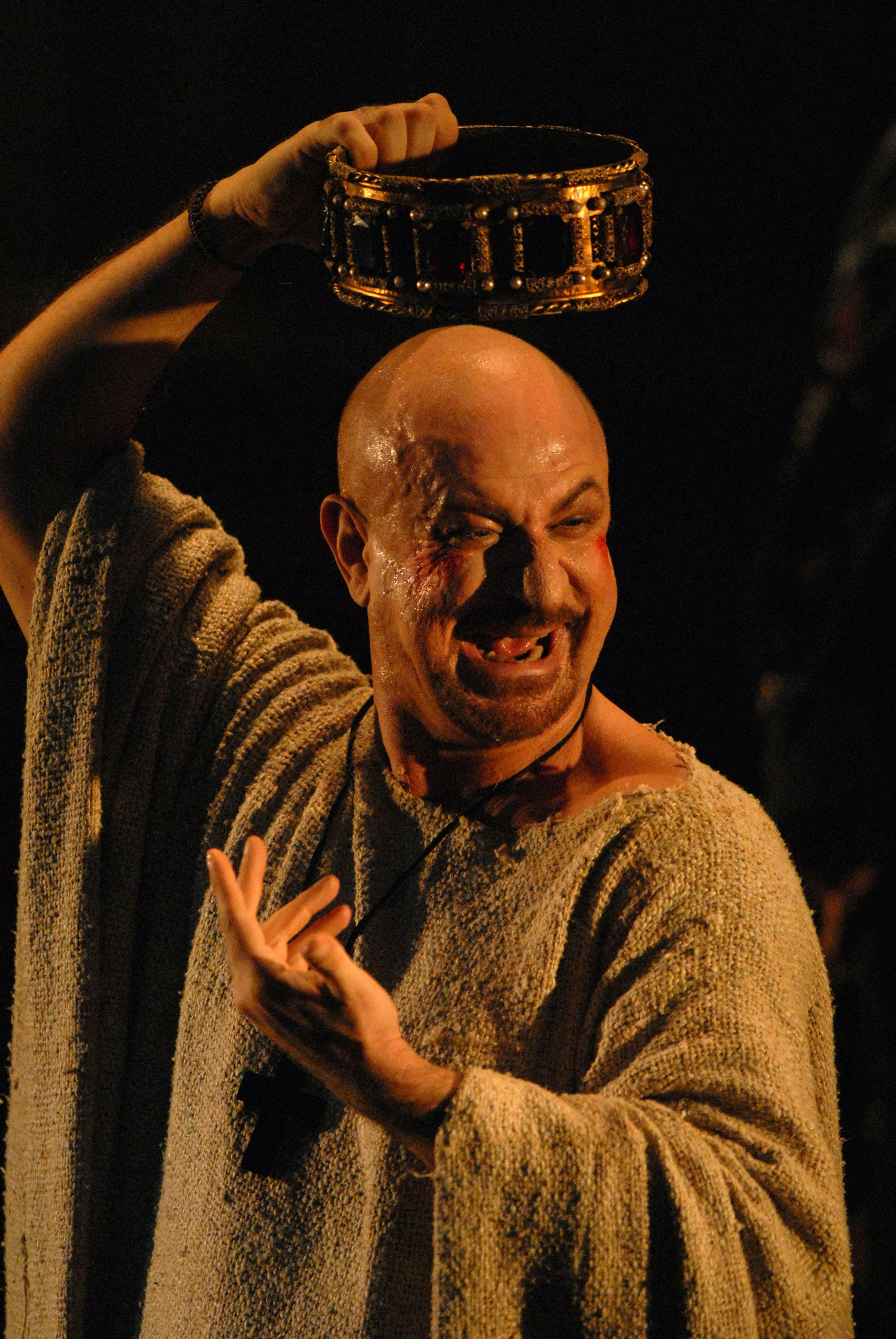 Enrico IV di Luigi Pirandello, regia di Roberto Guicciardini con Sebastiano Lo Monaco
