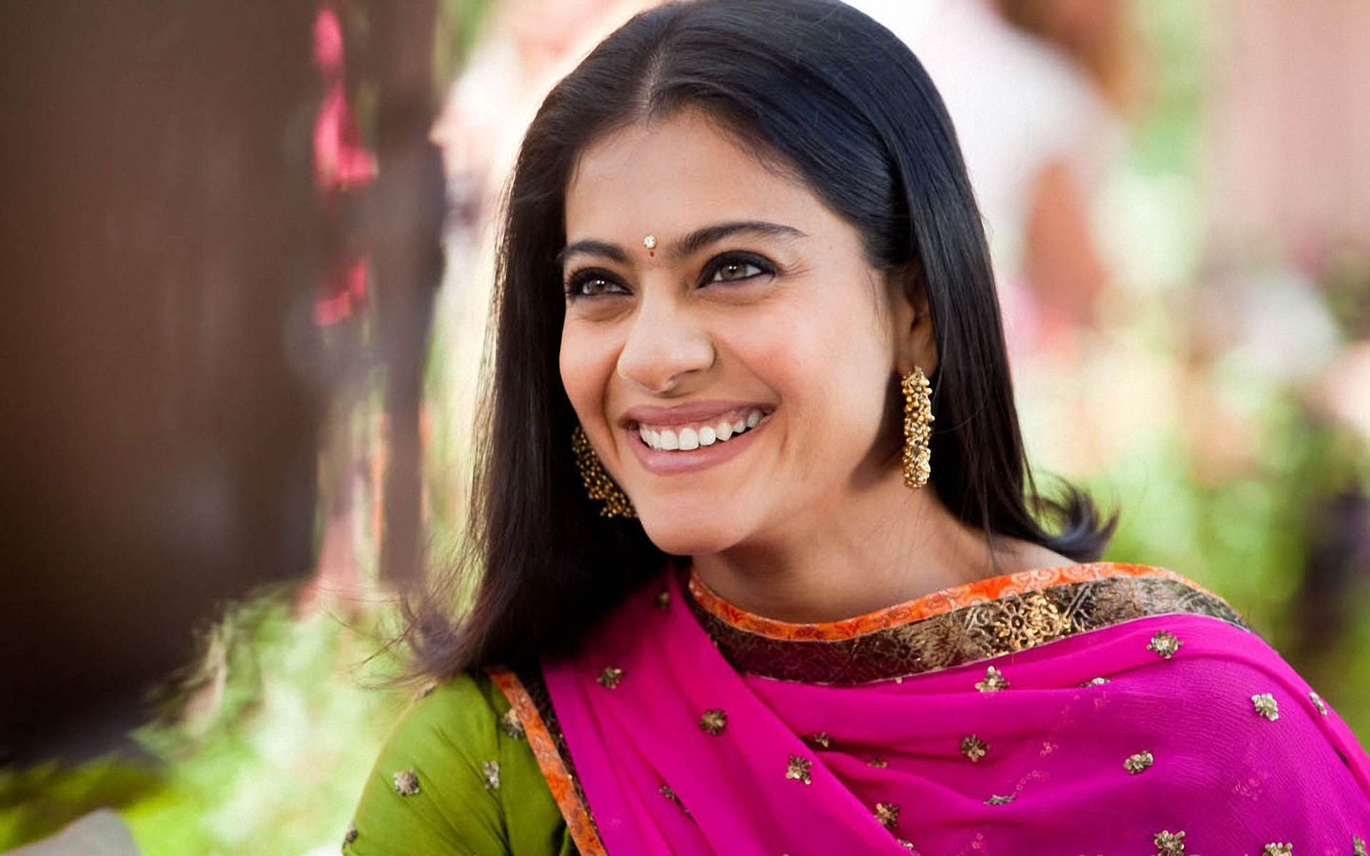 Hd wallpaper kajol - Watch And Download Free Kajol Hd Wallpapers Here A Lot Of Best Collection Of Best Hd Wallpapers Images Of Kajol Best Wallpapers Lvlywallpaper