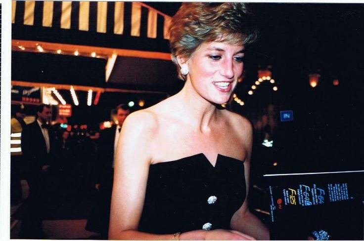 1991 01 23 Postcards from the Edge Premiere