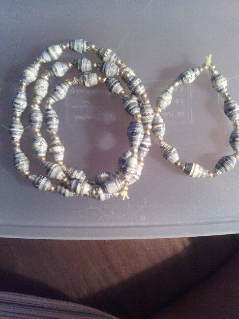 Paper Bead Necklace & Bracelet $10.00