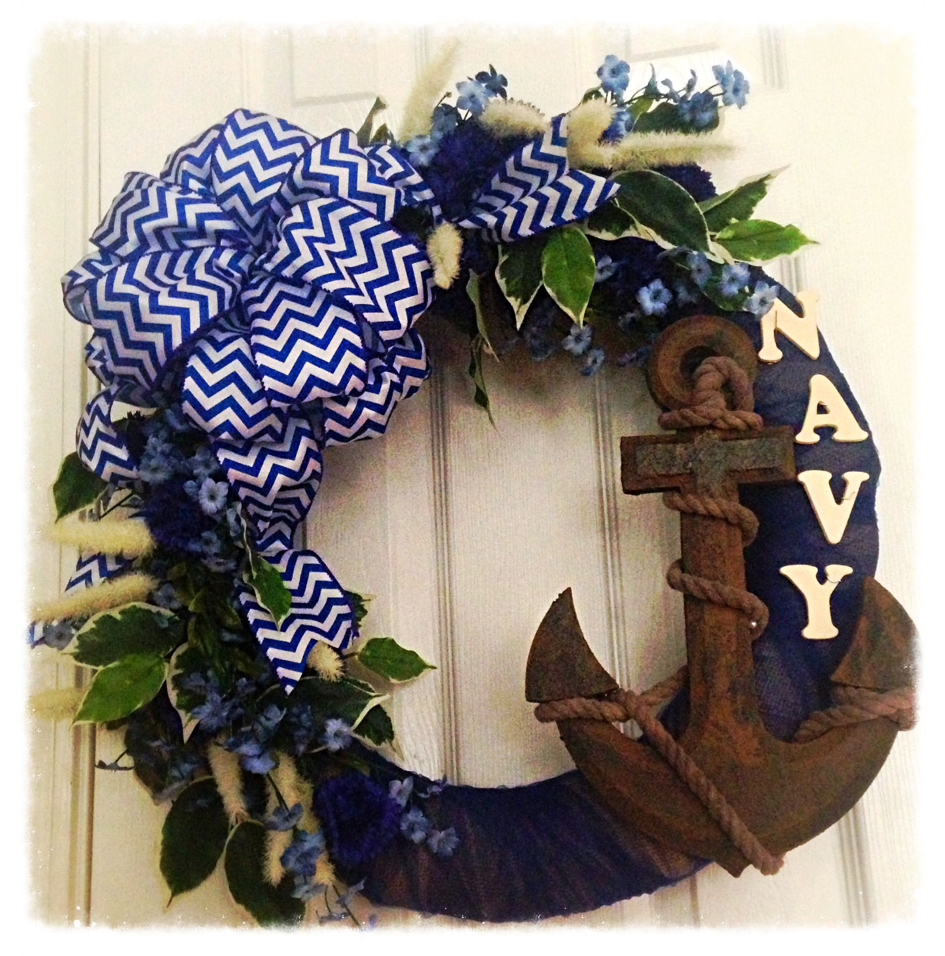 Usa Navy Burlap Wreath With Images Wreath Crafts Navy Crafts