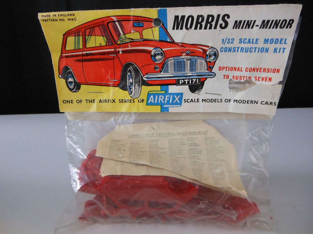 1962 Issued AIRFIX MORRIS MINI MINOR Scale Model kit 1/32