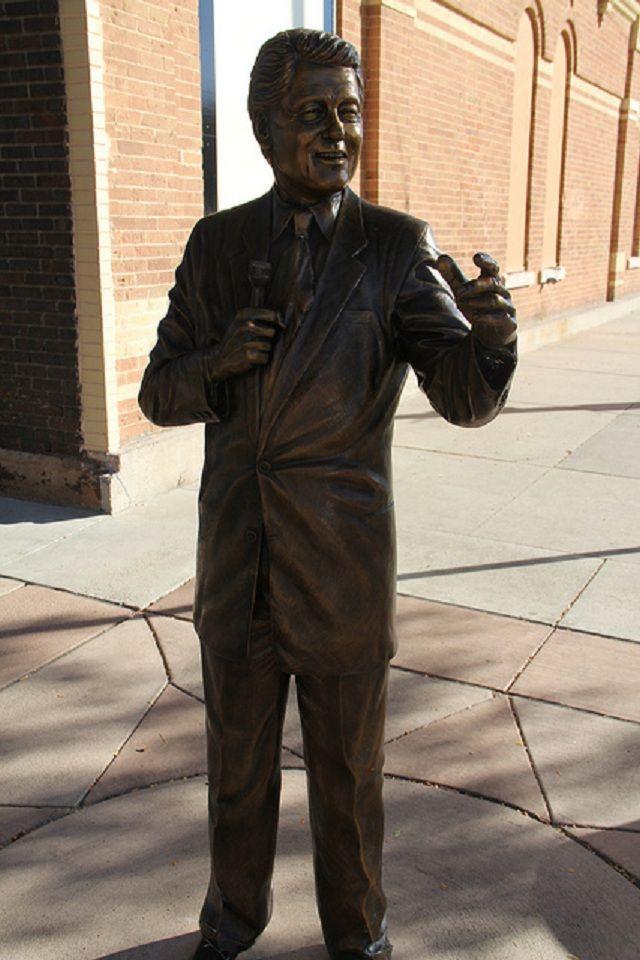"Rapid City, South Dakota - The City of the Presidents - ""William Clinton"""