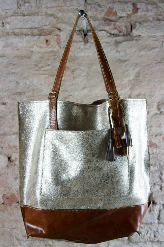 ed0e2762bfe8 Gold leather tote