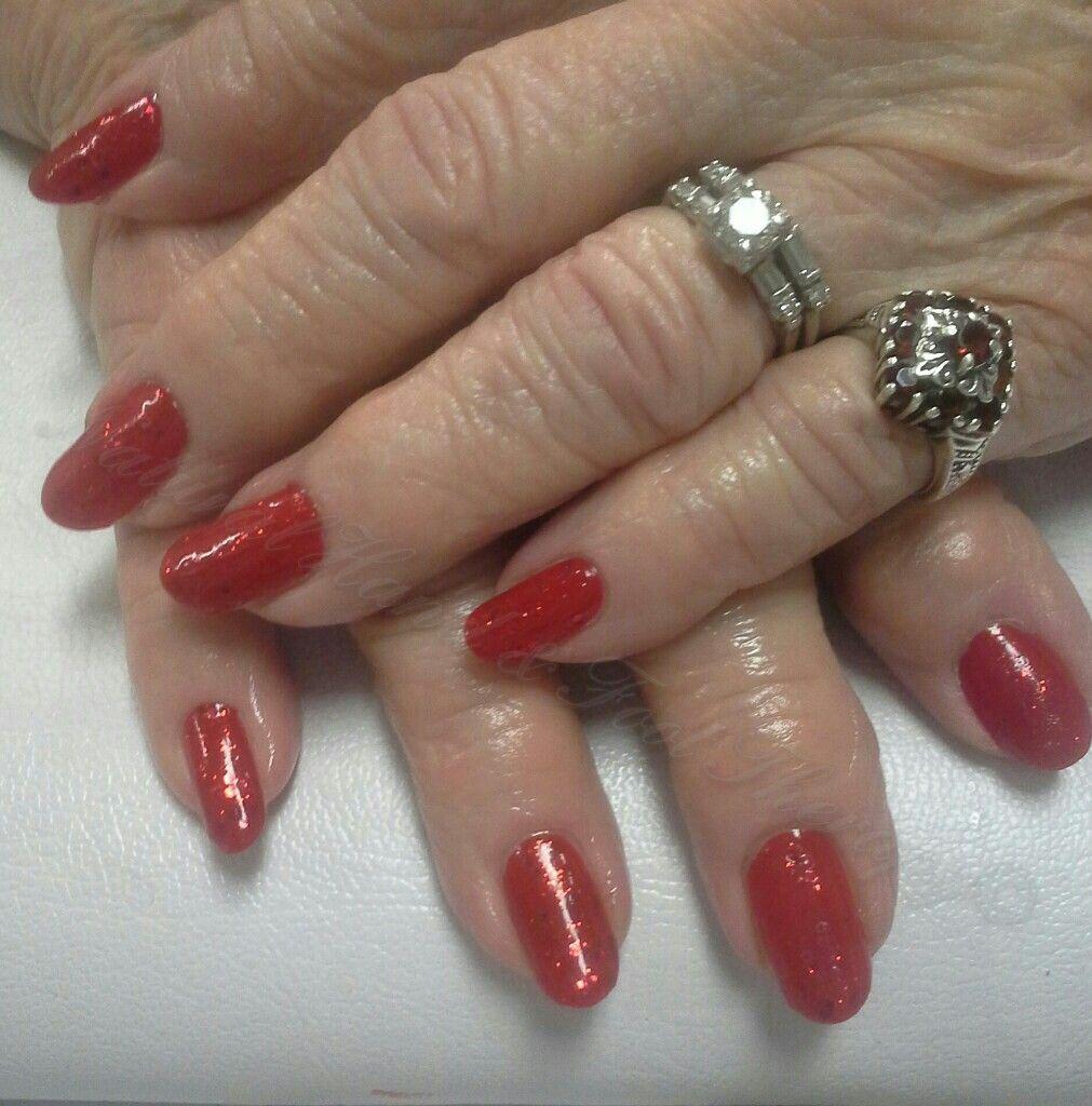 Sparkly red nails #holidaynails #glitternails #rednails #naturalnails