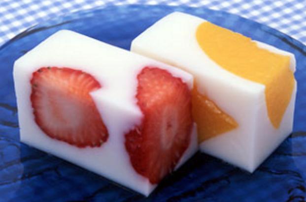 ダイエット中はデザートを我慢するべき?いえいえヘルシーなものなら全然食べてもOK!中でも「牛乳かん」はダイエット効果も美容効果も満点!早速基本レシピとアレンジ法をご紹介致します。