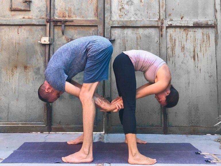 Couple S Yoga Poses 23 Easy Medium And Hard Duo Yoga Poses Yoga Poses For Two Couples Yoga Poses Couples Yoga