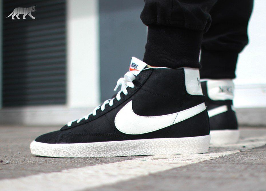 Desconexión viva máquina de coser  Nike Blazer Mid Premium Vintage | White leather shoes, Nike, Nike blazer