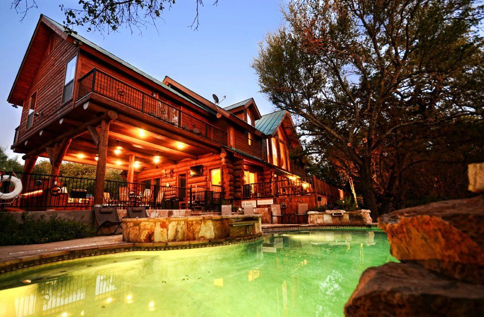 Shared from log country cove pinned with pinvolve log for Texas hill country cabin builders