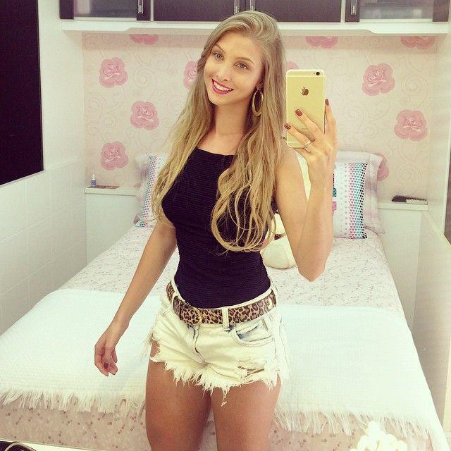 Vanessa Wonsovicz ~ Instagram Post by Vanessa Wonsovicz ud83c udf80 (@vanessawz) Shorts, Wardrobes and Clothes