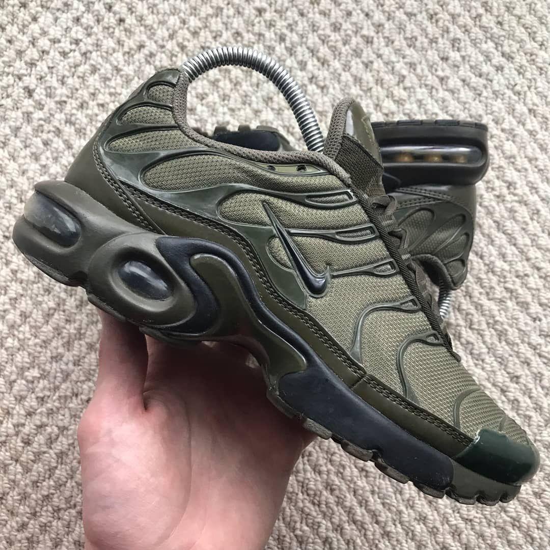 Air max sneakers, Nike air max plus