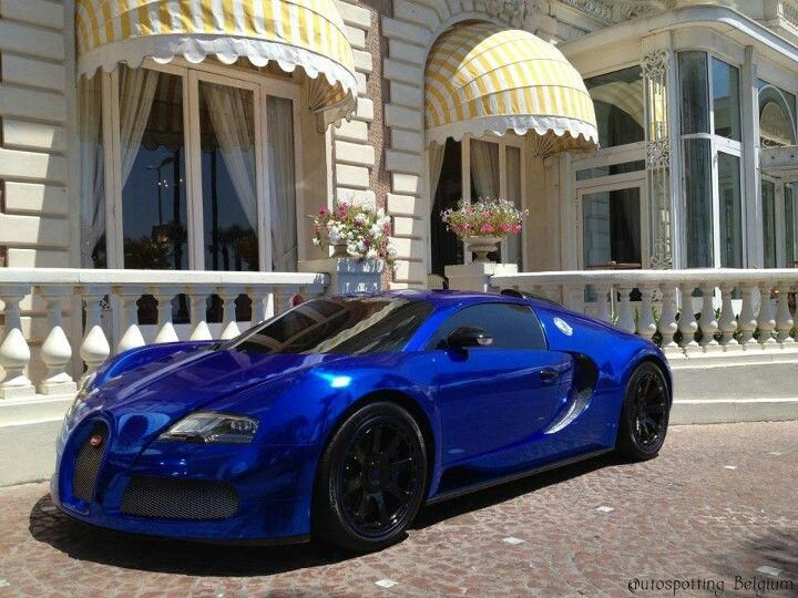 Chrome Blue Bugatti Veyron