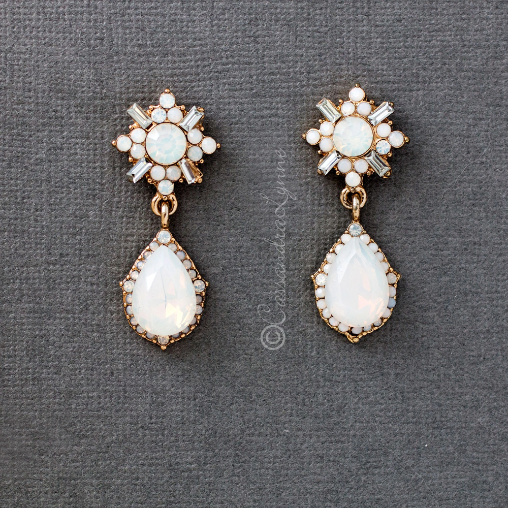 Crystal Drop Wedding Earrings In 2020 Wedding Earrings Drop Wedding Earrings Wedding Accessories