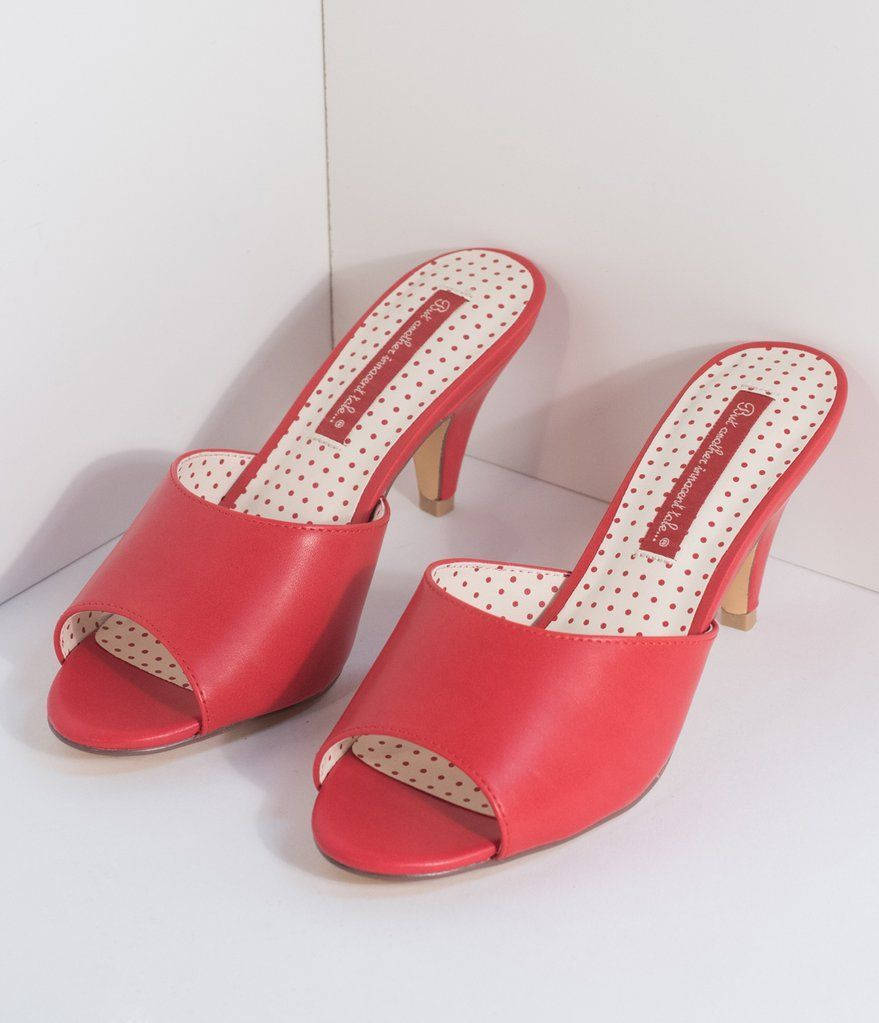 17 Divine Shoes For Women Over 50 Ideas Peep Toe Slippers 1950s Fashion Shoes Kitten Heel Pumps