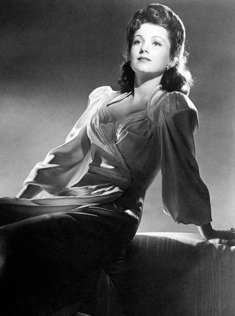 Anne Baxter   Anne baxter, Vintage hollywood stars, Actresses