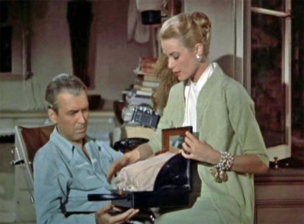 Grace Kelly In Alfred Hitch S Rear Window With Her Mark Cross Overnight Case