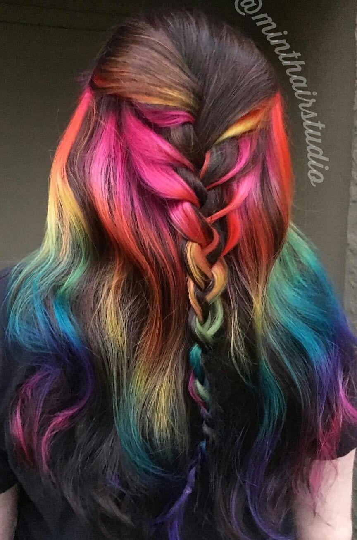 Regenbogenhaare Gibt Es In So Vielen Verschiedenen Variationen Der Fantasie Sind Kaum Grenzen Gesetzt Besonders Rainbow Hair Color Dyed Hair Best Hair Dye