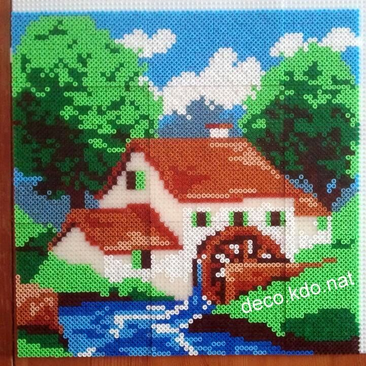 Deco kdo nat perles hama tableau maison au moulin for Modele maison perle a repasser