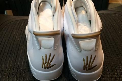 c5d515175ab32c Kawhi Leonard s  TheClaw logo on his own Jordan brand shoe  Spurs I NEED  THESE!
