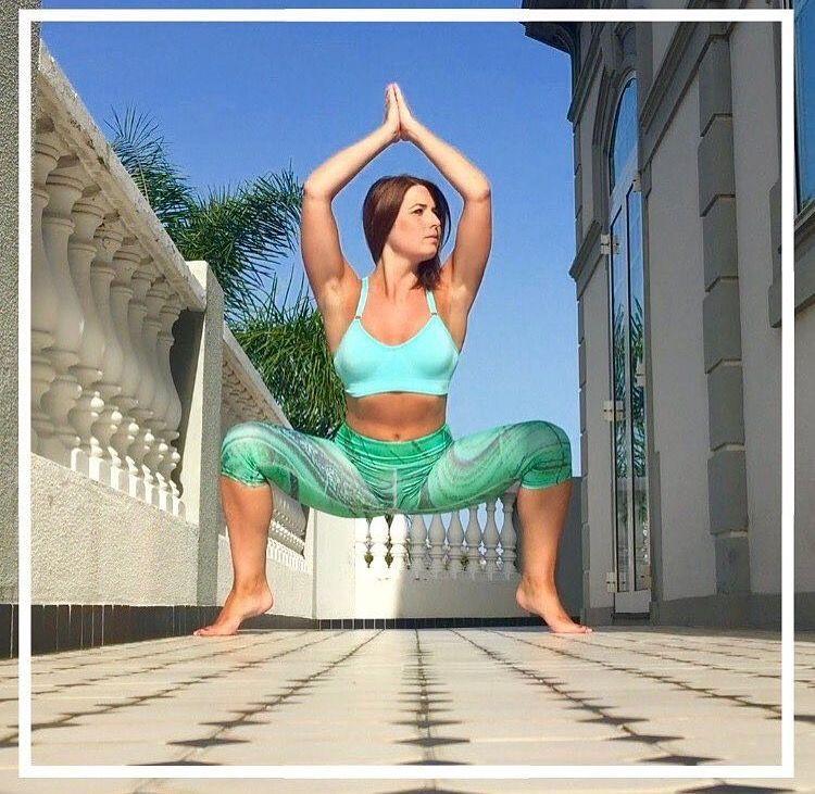 Abundant leggings inspired by a malachite stone. 4 way stretch, breathable, soft fabric! #confusedgirl #yoga #yogafit #yogagirl #yogalife