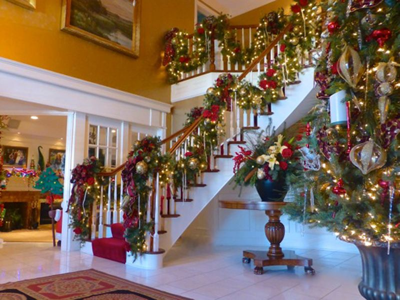 Stairs Decorations For 2016 Christmas