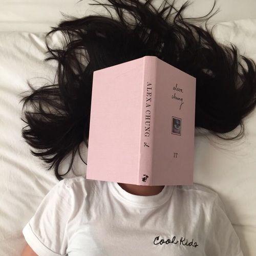 Fotos tumblr lendo livros