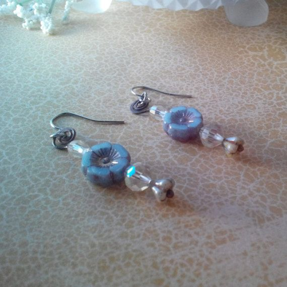 Hey, I found this really awesome Etsy listing at https://www.etsy.com/listing/504595507/romantic-crystal-dangle-earrings-vintage