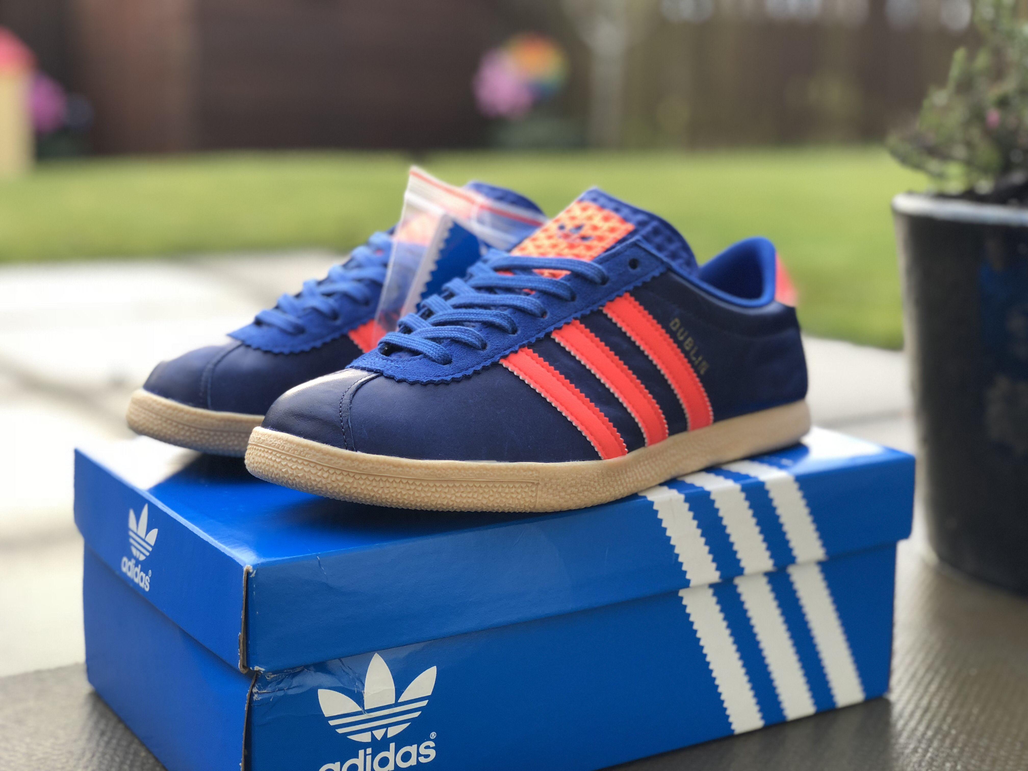 Productos lácteos extraño Residencia  Adidas Dublin Size? 10 Year Anniversary | Adidas, Adidas trainers, Adidas  samba
