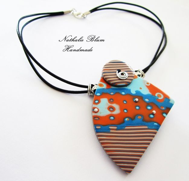 collar hecho a mano con arcilla polimerica necklace  handmade with polymer clay