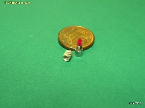 Foro de casas de muñecas y miniaturas :: Ver tema - CÓMO HACER UNA BARRA DE LABIOS