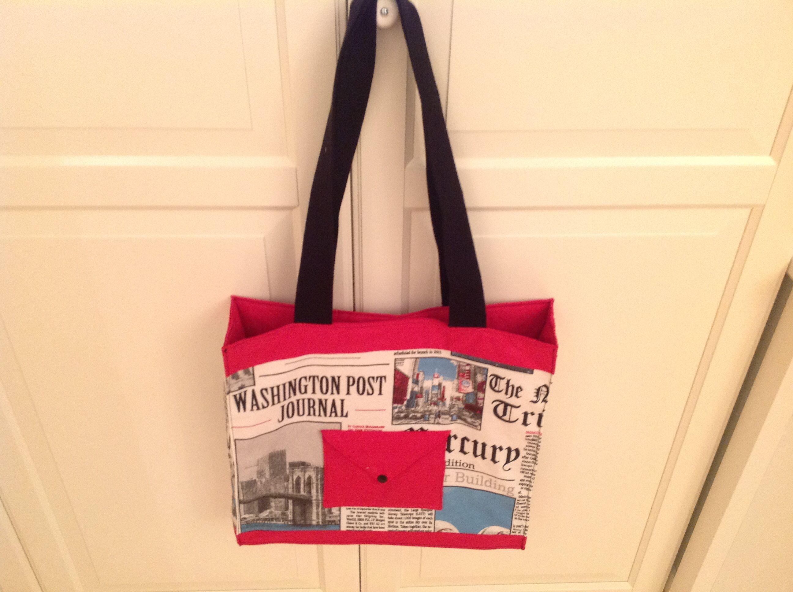 Shopper mit kleiner Außentasche für Handy, Schlüssel etc. Und 2 Innentaschen